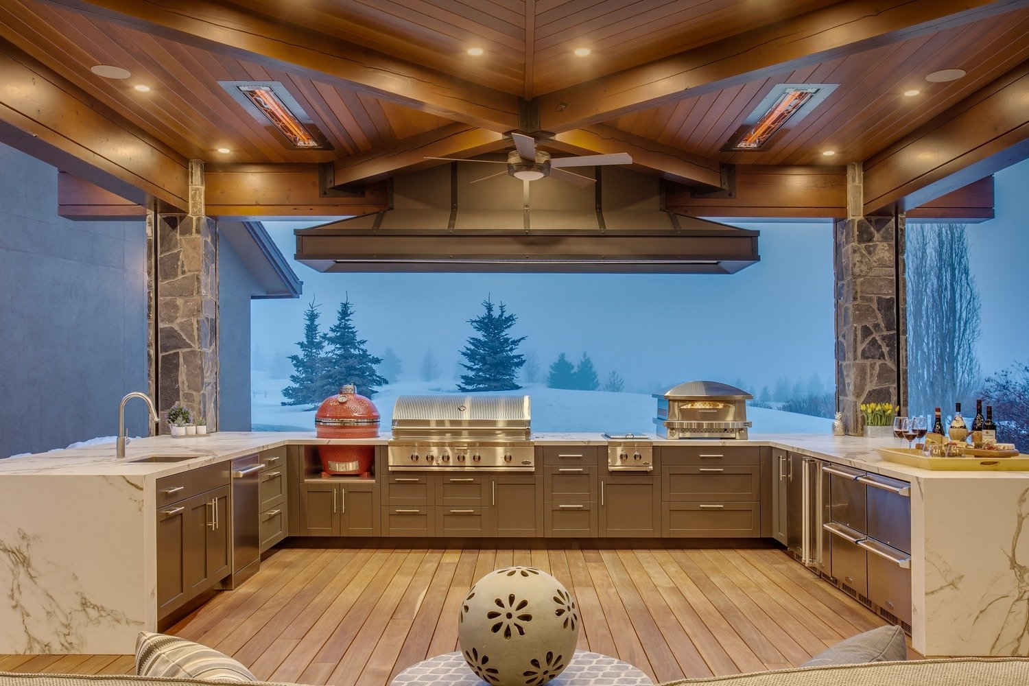 Outdoor Living, Outdoor Kitchen, Pizza Oven, BBQ