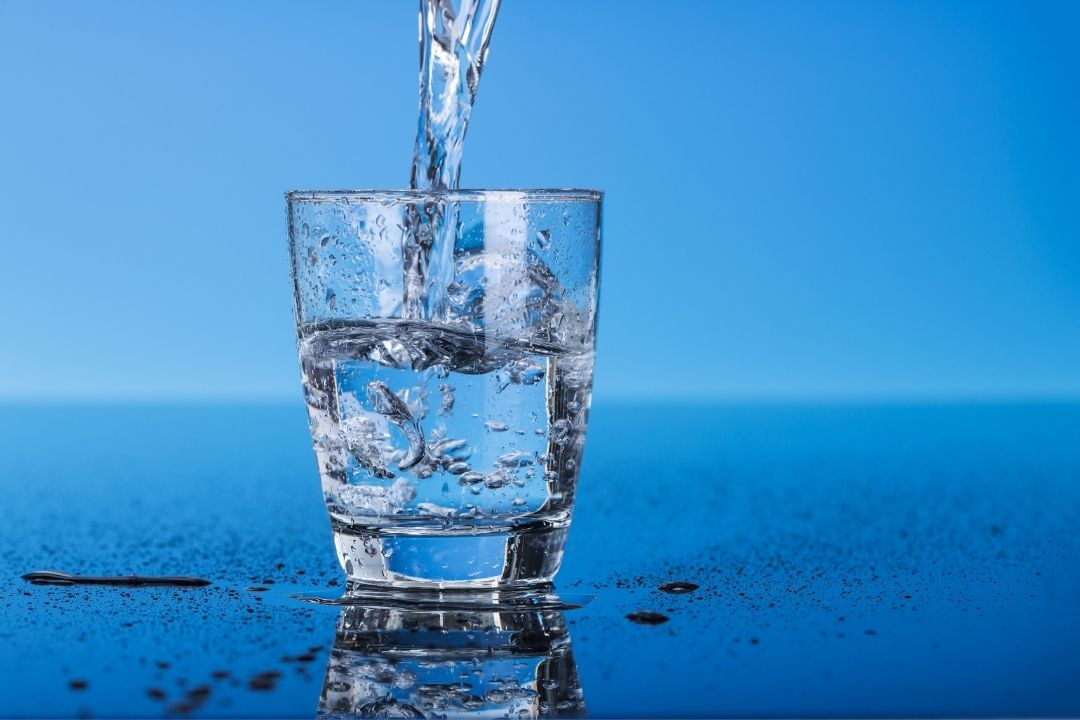 Drink Extra Water when Hot to Protect Health